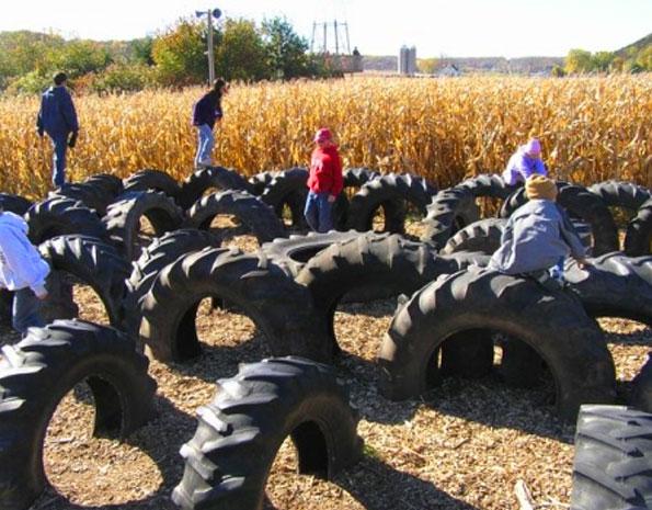 Tire maze